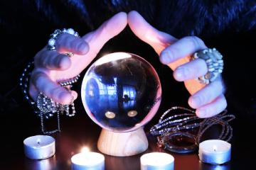 bola de cristal para ver o futuro e fazer simpatias poderosas