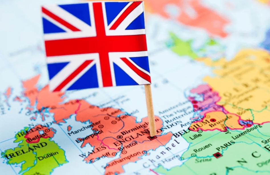bandeira da Inglaterra em cima do mapa da Inglaterra