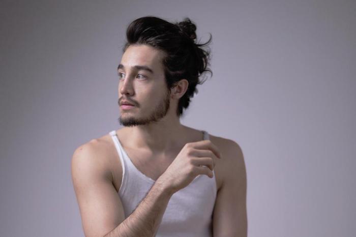 foto do cantor Tiago Iorc
