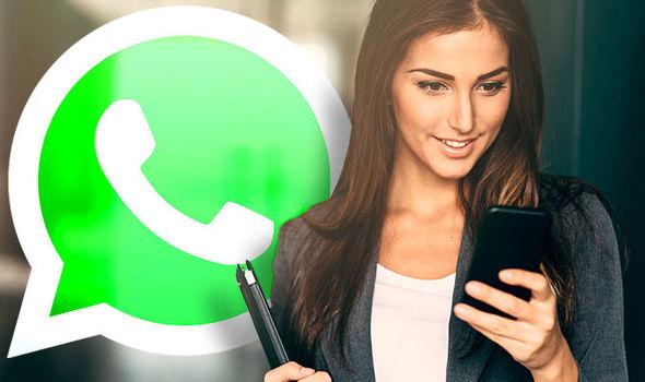 mulher conversando no Whatsapp com seu crush