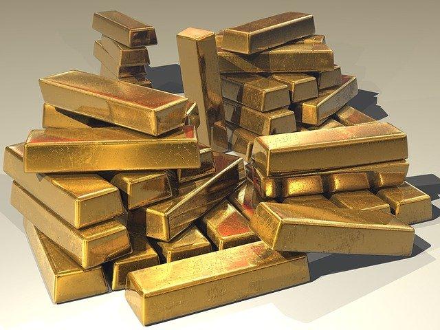 muitas barras de ouro