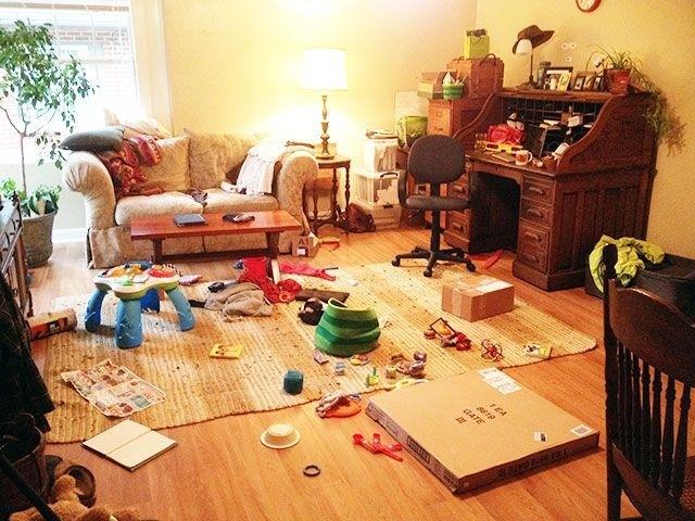 casa desorganizada e cheia de sujeira